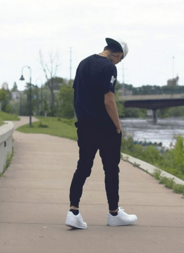 5 Stylish Ways To Wear Nike Air Force 1 Low With Jeans Trouser
